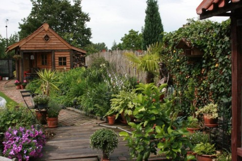 Border en tuinhuis